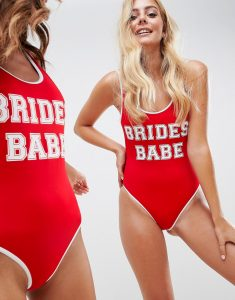 DESIGN brides babe slogan swimsuit with contrast bind in red - Red